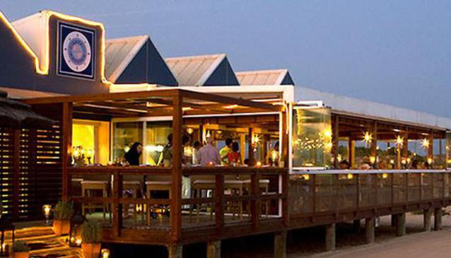 Arte Náutica Beach Restaurant