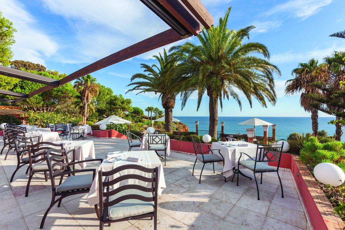 Live SAX Music at Mirandus Restaurant, Lagos | My Guide Algarve