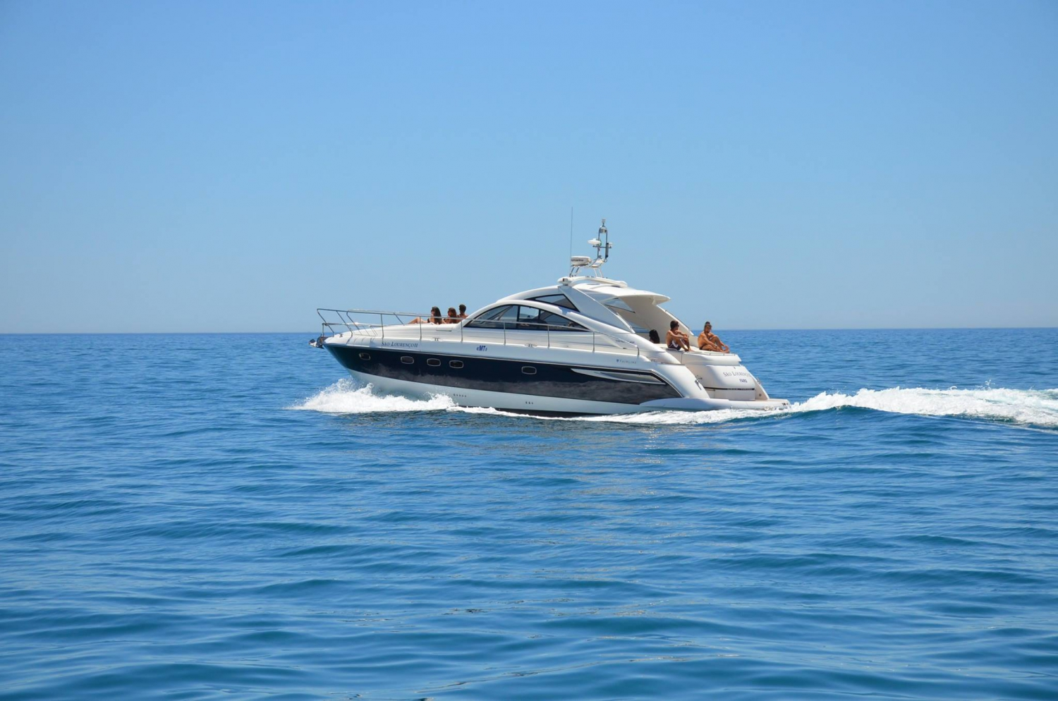Luxury Yacht Charters February Special