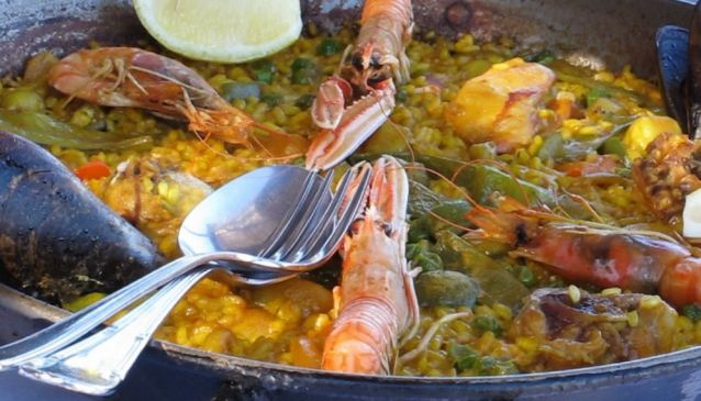 Who spiced up Spanish cuisine?