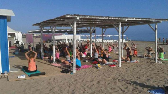 Free exercise classes on Denia beaches