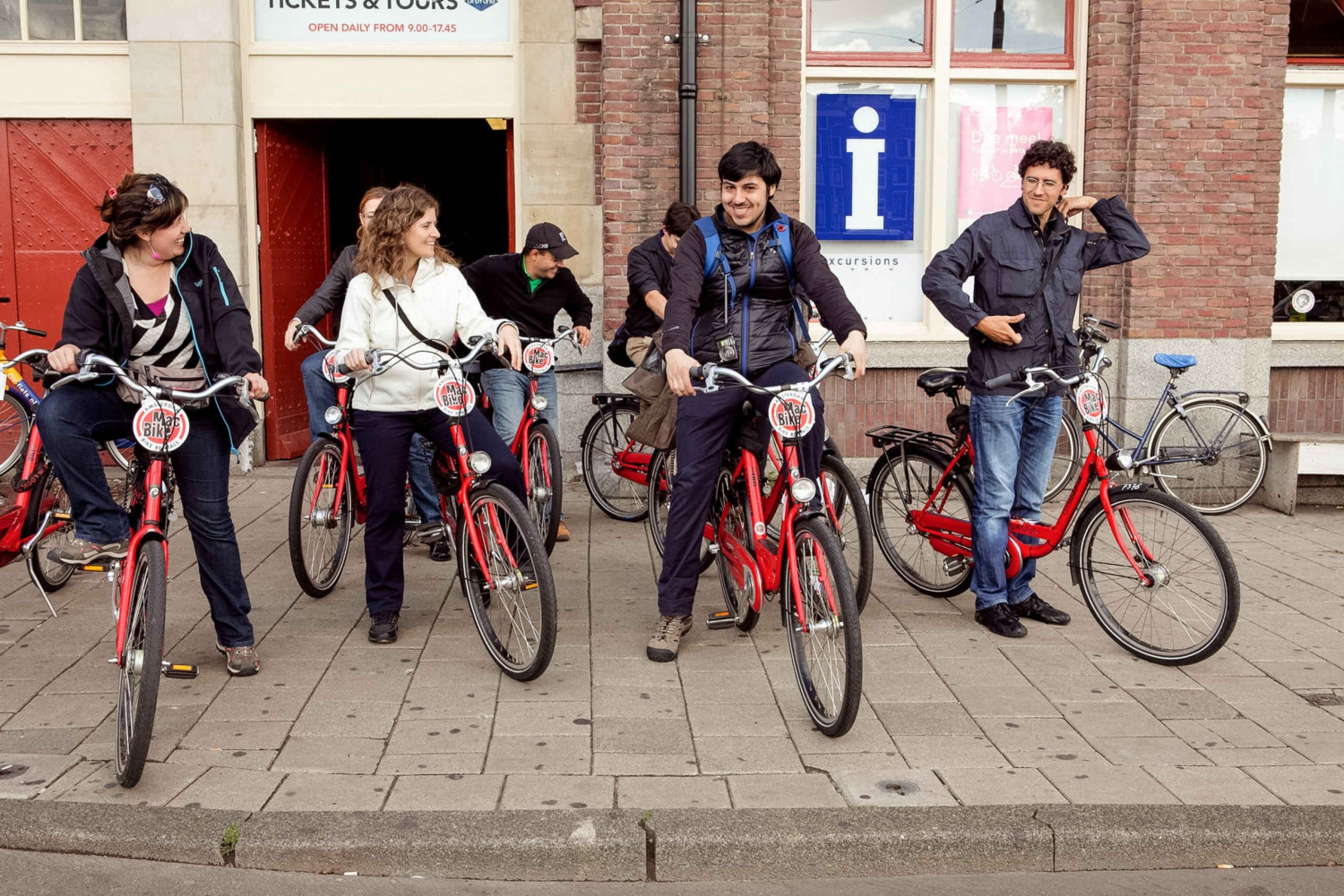 2.5-hour Amsterdam Bike Tour with an English Local Guide