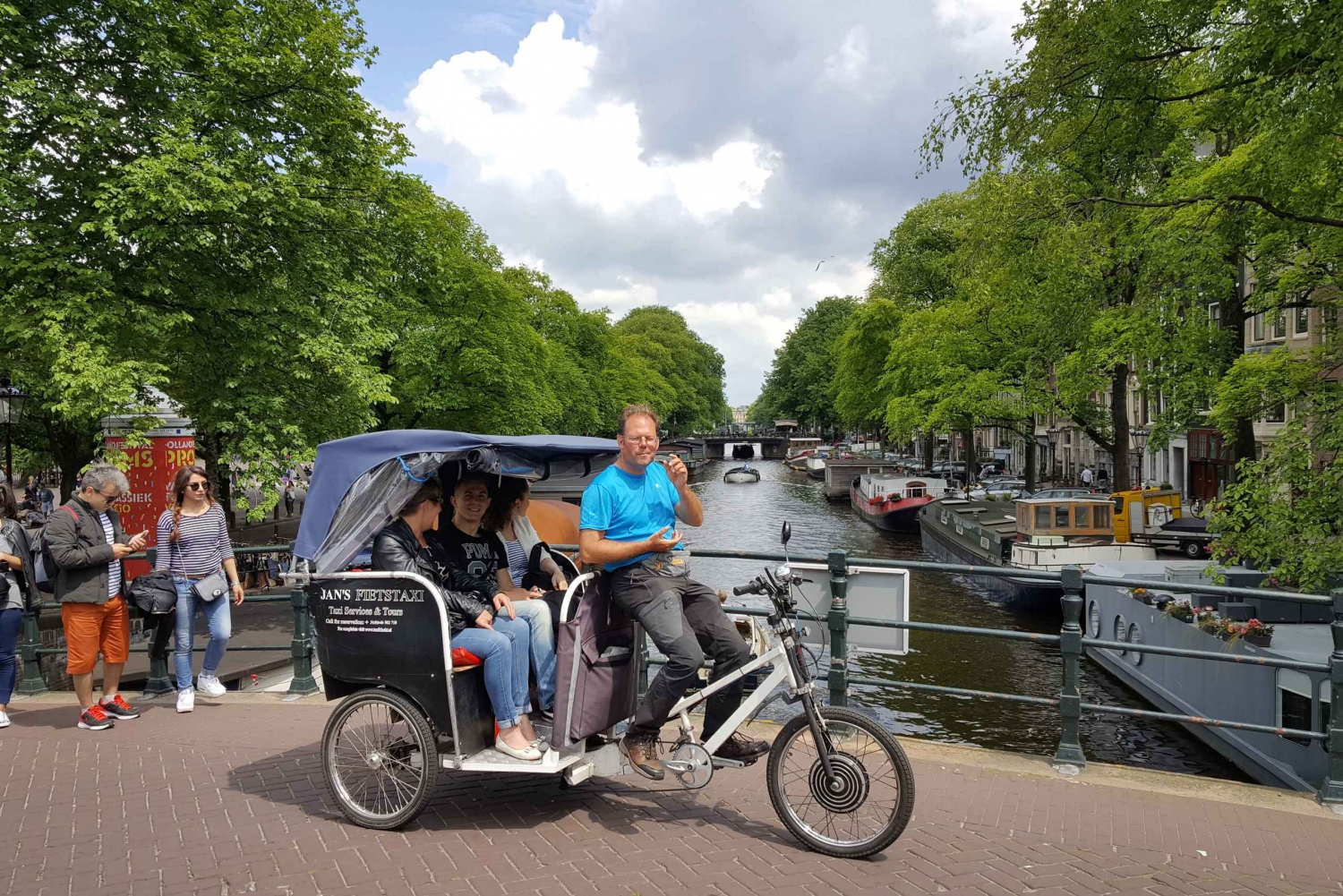 2-Hour Private Sightseeing Tour by Rickshaw