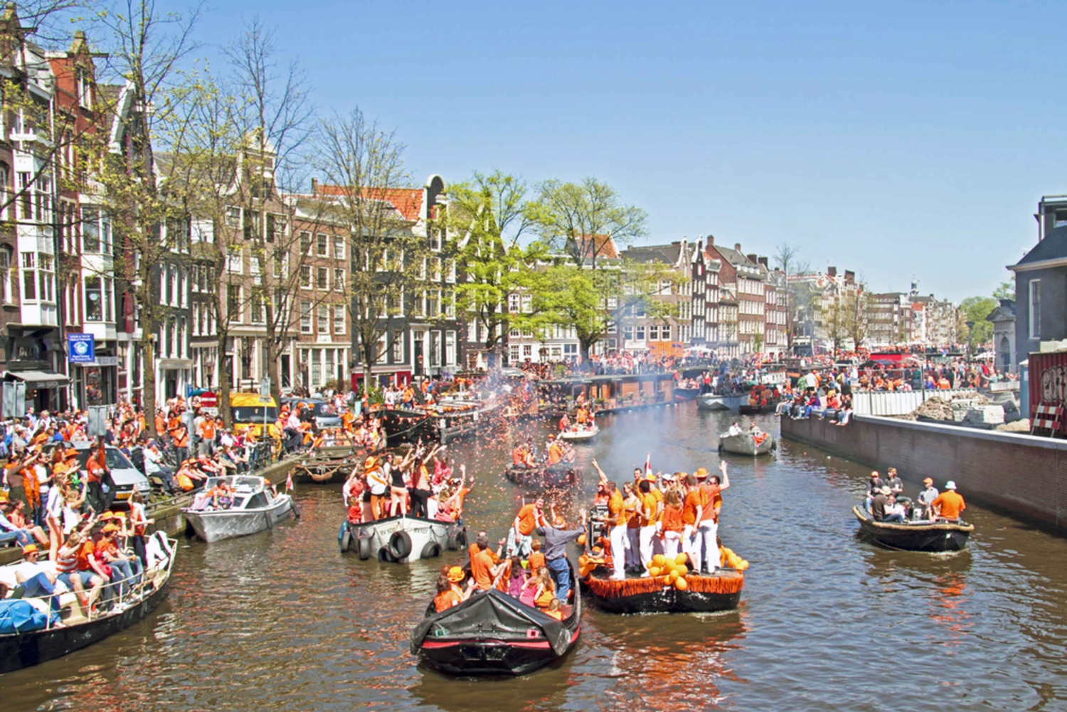 Amsterdam 90-Minute Party Boat Tour with Free Drinks