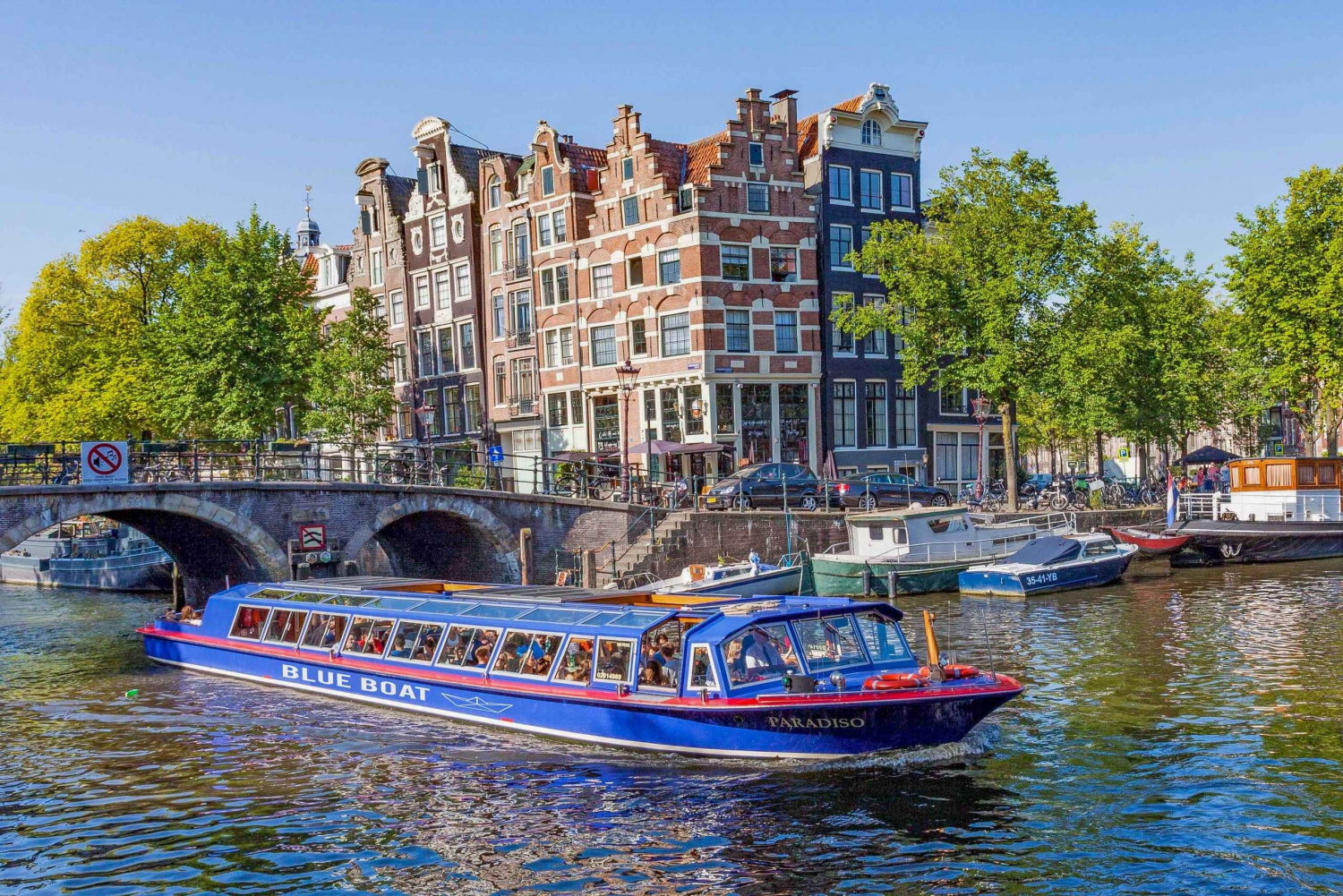 Amsterdam Canal Cruise and Stedelijk Museum Combined Ticket