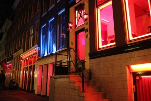 Amsterdam: Red Light District 1.5–Hour Night Walking Tour