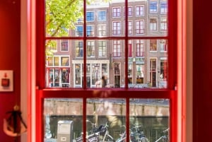 Amsterdam: Red Light Secrets Museum and 1-Hour Canal Cruise