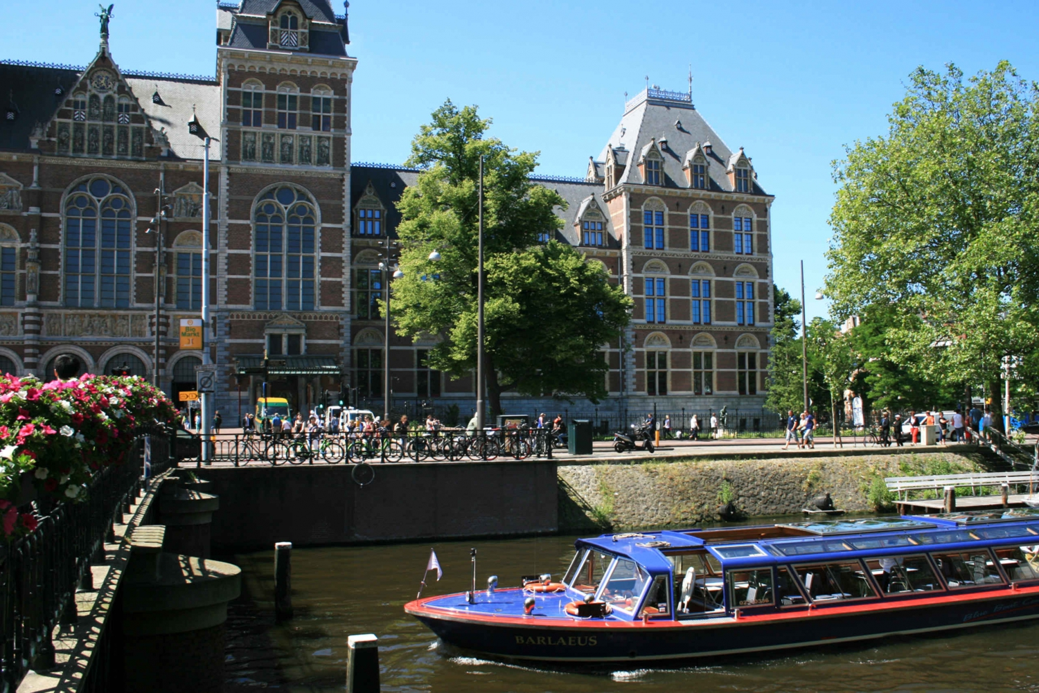 Combination Ticket: City Canal Cruise and Rijksmuseum