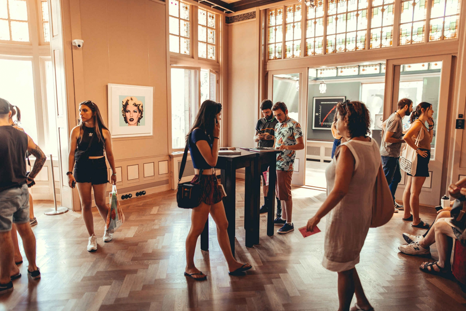 Combo Ticket: Amsterdam City Walking Tour and Moco Museum