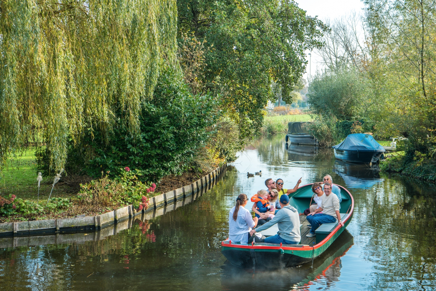 Countryside Boat Cruise Tour of Monnickendam
