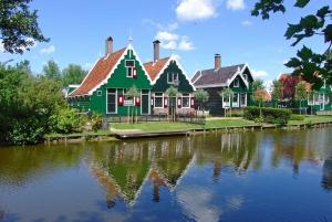 From Amsterdam: Zaanse Schans Windmills Half-Day Tour