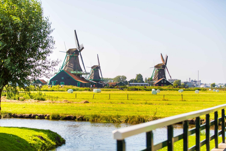 From Volendam and Zaanse Schans Small-Group Tour