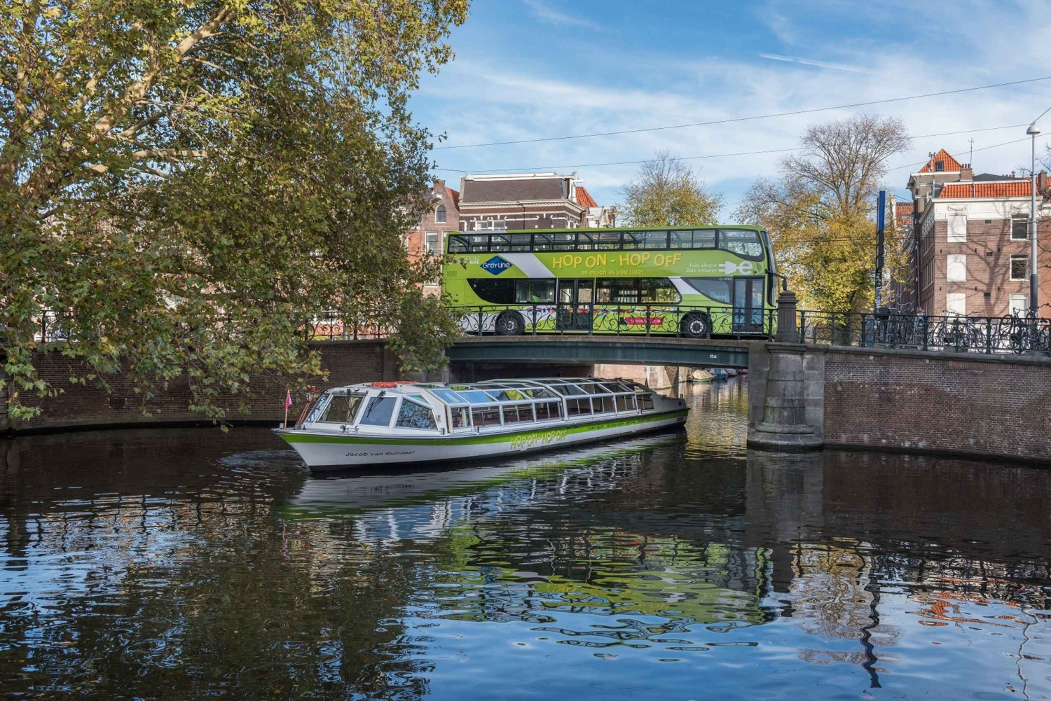 Hop-on Hop-off Bus & Boat Sightseeing Tours