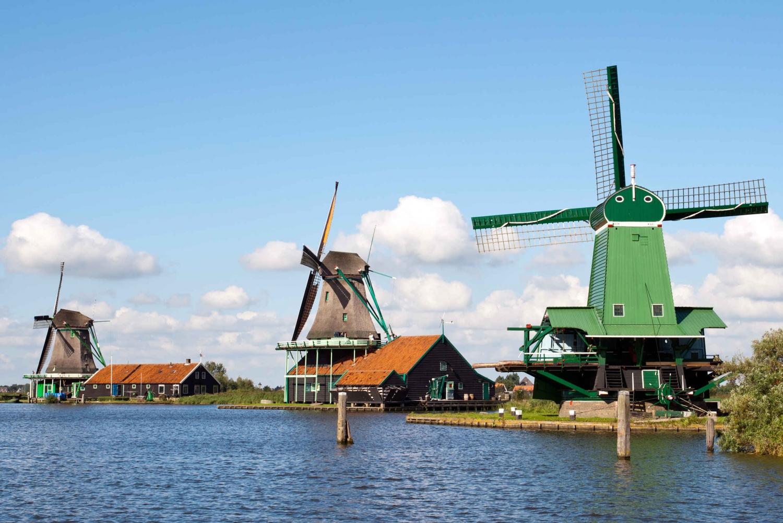 Hop-on-hop-off to Zaanse Schans, Edam & Volendam
