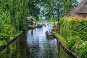 Private Tour to the Zaanse Schans Windmills and Giethoorn