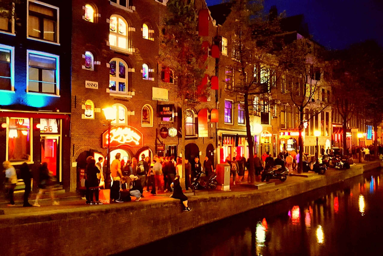 Red Light District 1.5–Hour Night Walking Tour