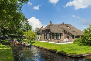 Small Group Full Day Trip to Giethoorn