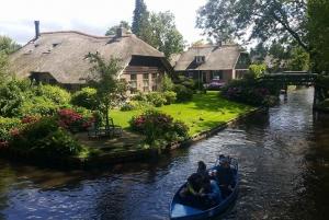 Zaanse Schans and Giethoorn Day Tour