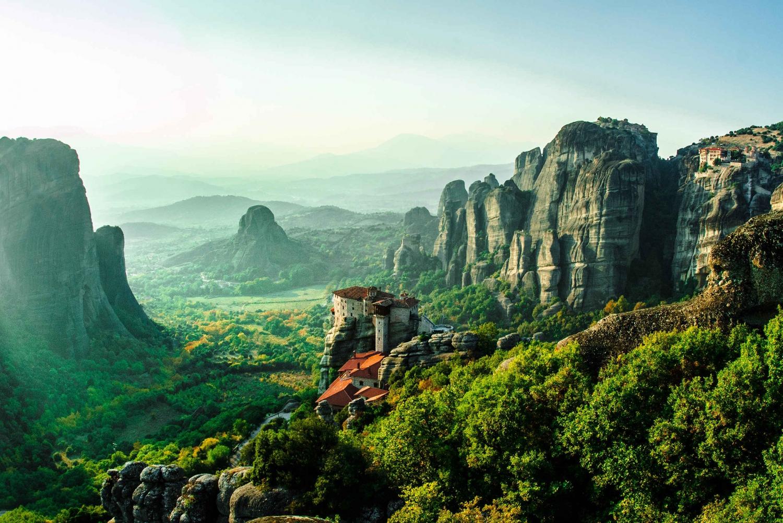 2-Day Delphi and Meteora Excursion