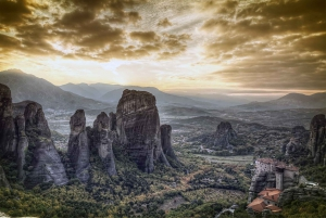 2-Days Delphi and Meteora Private Tour from Athens