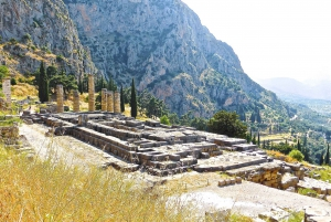 Athens: Full-Day Delphi, Thebes, and Hosios Loukas Monastery