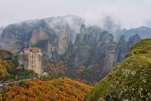 Athens: Meteora Small-Group Day Trip & Visit to Thermopylae