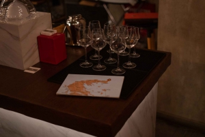 Athens: Nightlife Tour in Koukaki Neighborhood