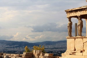 Athens: Shared Airport Transfers, Walking Tour & Dinner