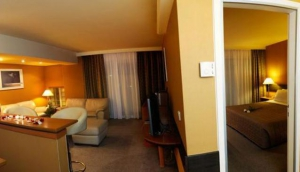 Blazer Suites Hotel Voula