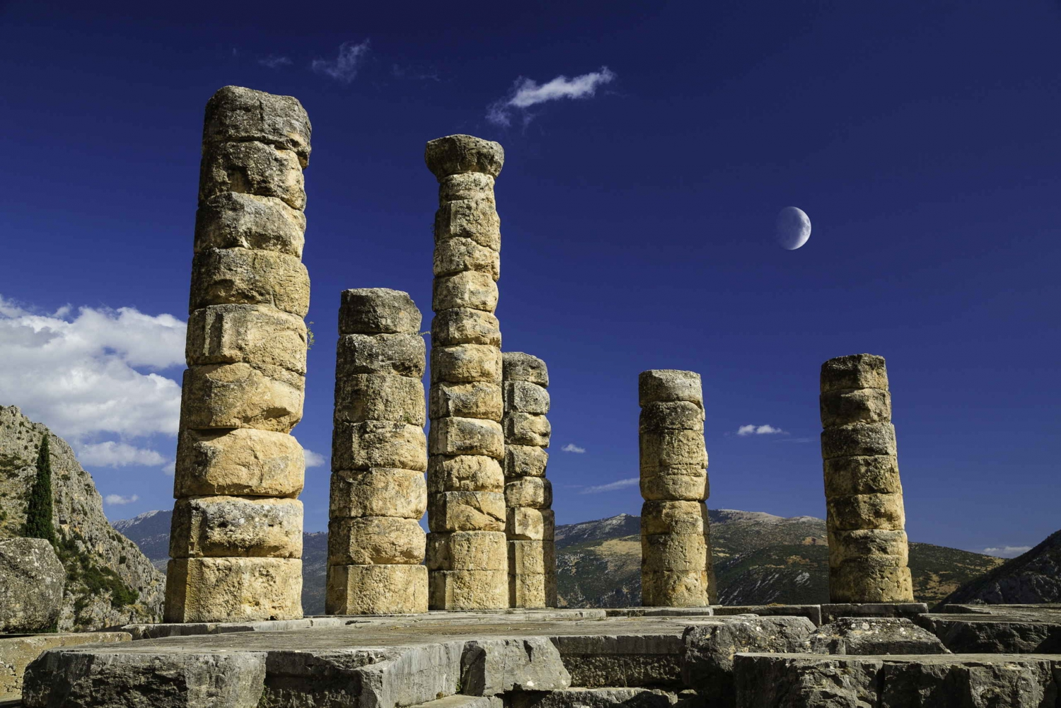 Delphi: A Small Group Full Day Trip from Athens with Lunch