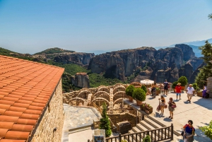 Delphi and Meteora: 3-Day Tour from Athens