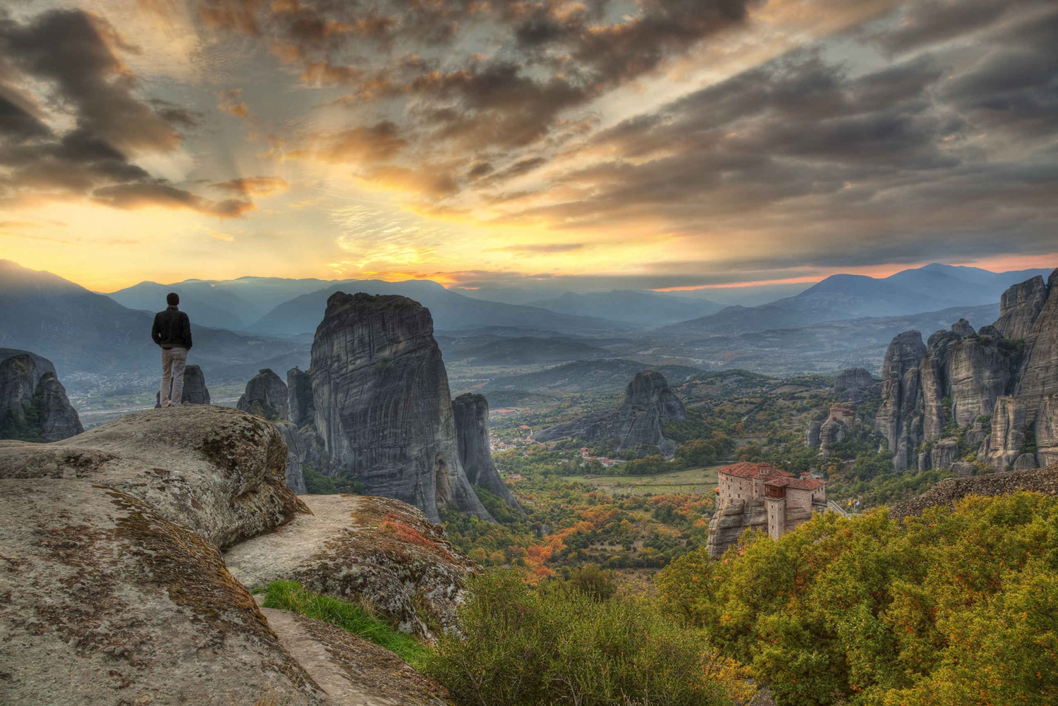 From 3 Days in Meteora & Delphi with Tours & Hotel