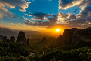 From Athens: 3 Days in Meteora & Delphi with Tours & Hotel