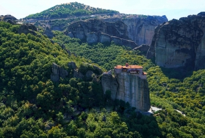 From Athens: Private Day Trip to the Monasteries of Meteora