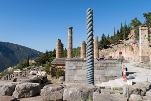 Full-Day Delphi, Thebes, and Hosios Loukas Monastery