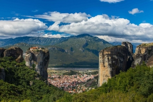 Meteora: Full-Day Private Trip from Athens or Piraeus