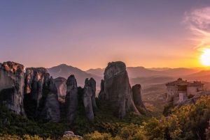 Meteora Small-Group Day Trip & Visit to Thermopylae