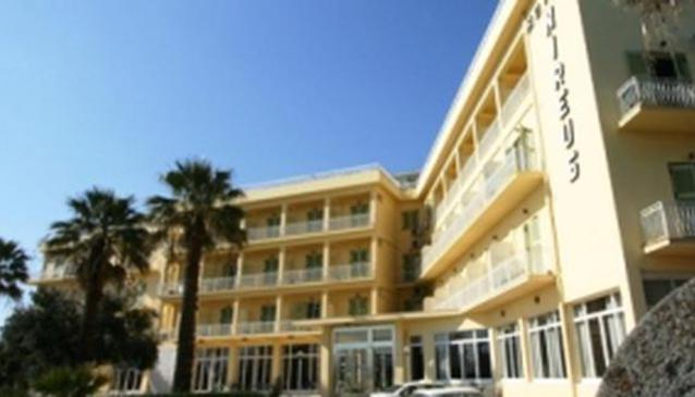Nireus Hotel Nea Makri