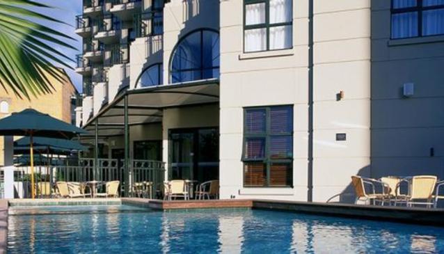 Parkside Hotel & Apartments