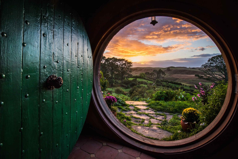 Auckland to Rotorua via Hobbiton One Way Private Tour