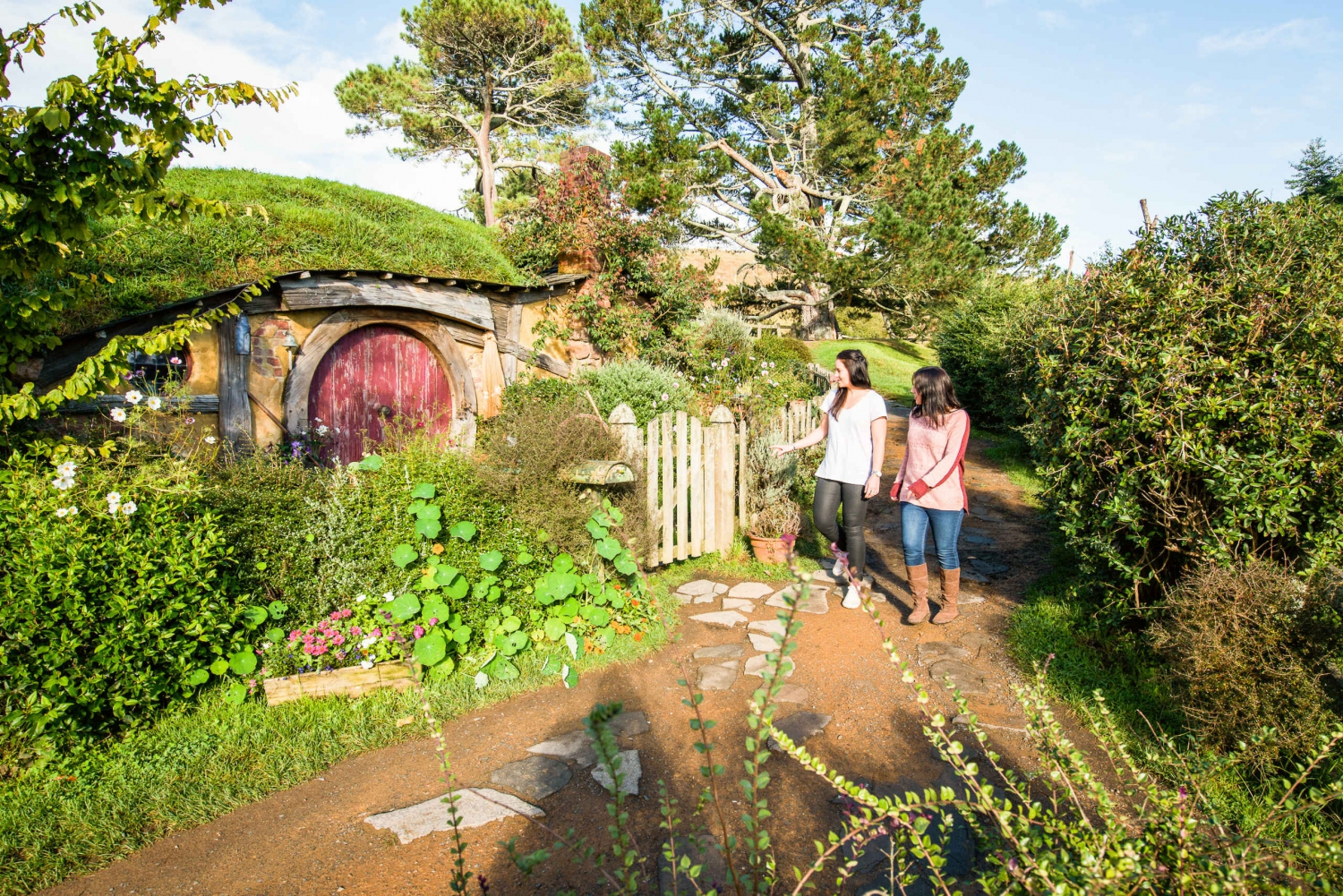Hobbiton Movie Set Tour & Festive Feast Lunch from Auckland
