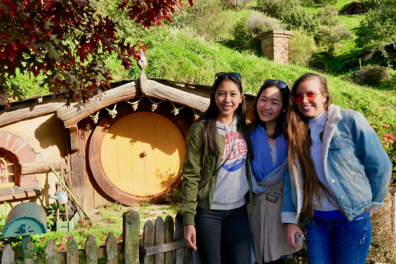 Hobbiton & Waitomo Glowworm Caves Premium Tour from Auckland