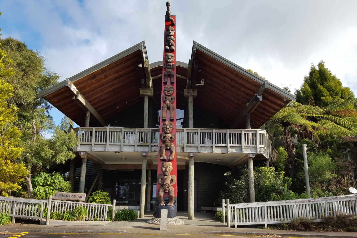 Waitakere Ranges Wilderness Experience Tour from Auckland