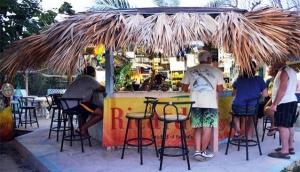Max Conch Bar & Grill
