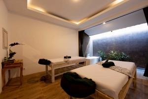Bali: 2-hour Massage, Lulur, and Flower Bath Spa Treatment