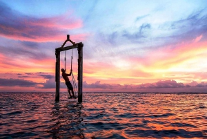 From Bali: Gili Islands 2-Day Tour with Beachfront Resort