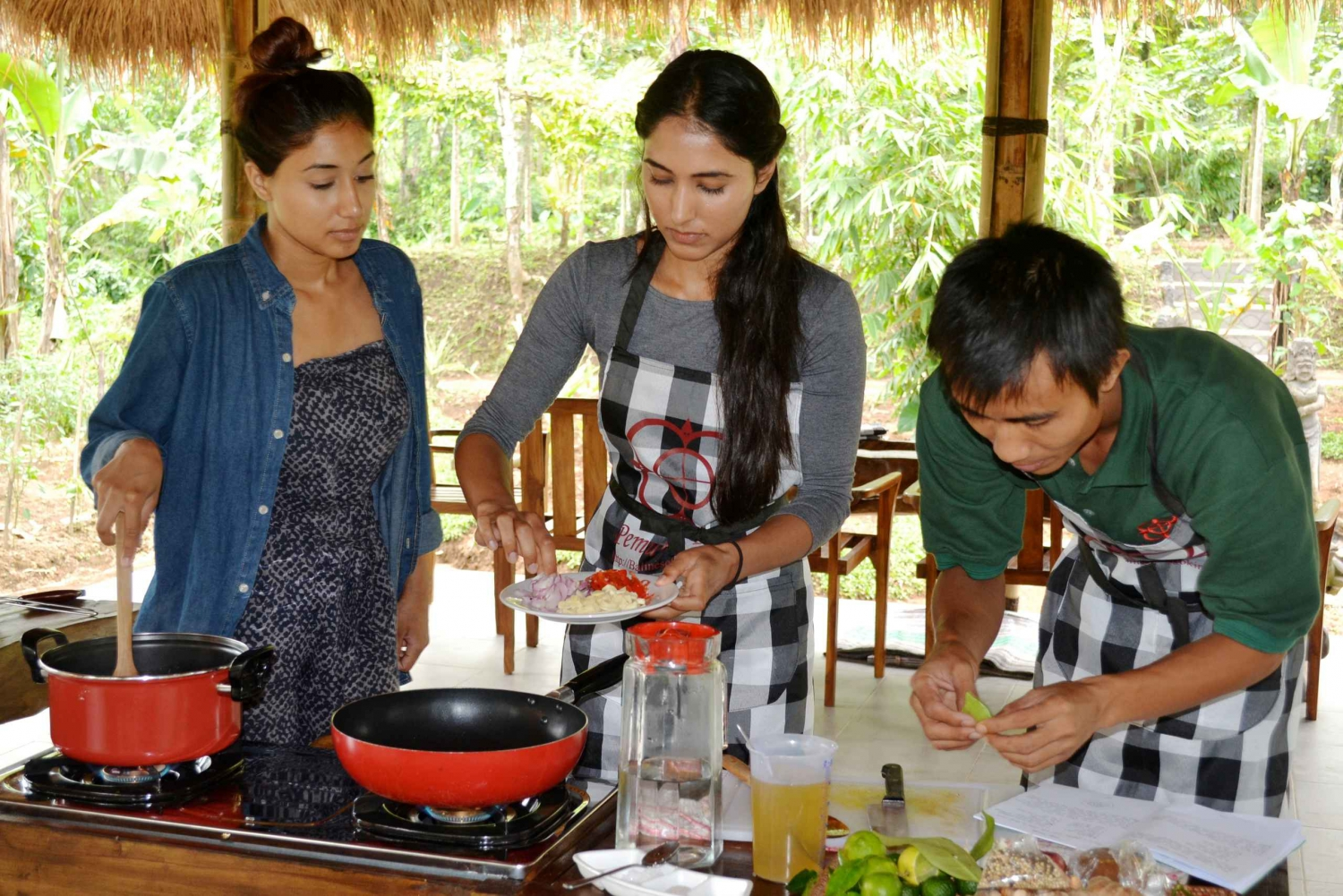 From Ubud: Balinese Cooking Class at an Organic Farm