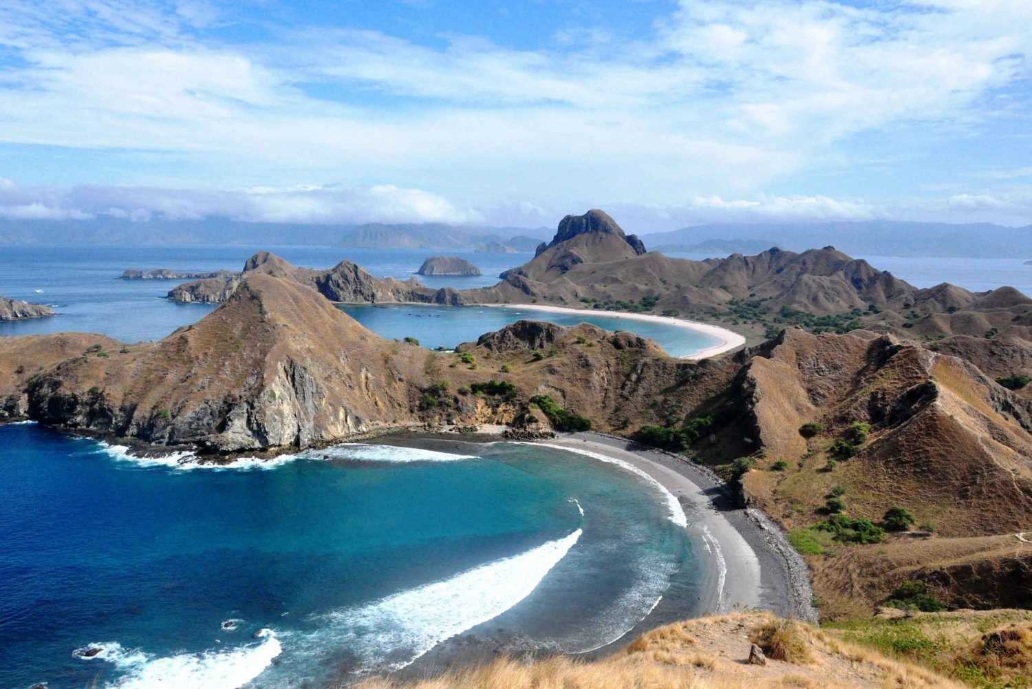 Komodo Island: 4–Day Trip with Phinisi Boat and Hotel Stay