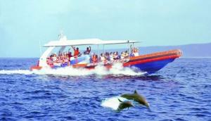 Ocean Rafting to Nusa Lembongan.