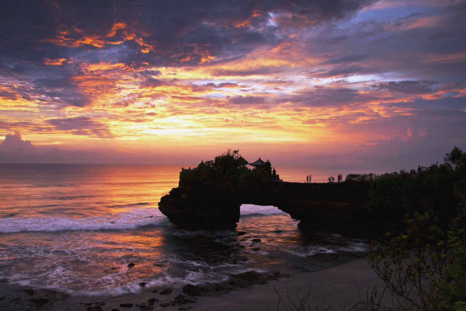 Uluwatu, Tanah Lot and Jimbaran Tour